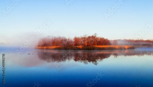 mgla-niebo-rzeka-woda-zatoka-las