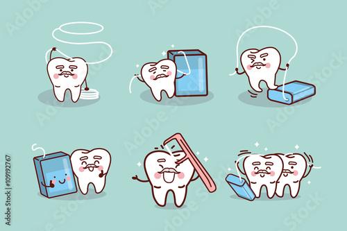 Valokuva  senior tooth use dental floss
