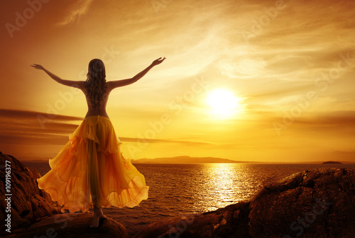 Photo  Calm Woman Meditating on Sunset Beach, Relax in Open Arms Pose