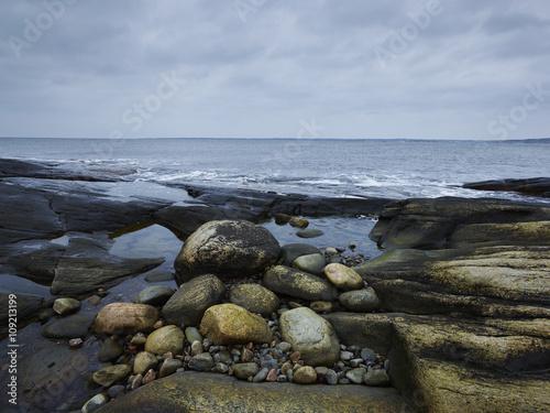 Tuinposter Kust Rocky coast