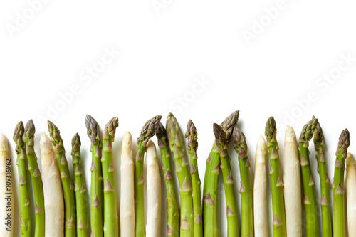 Delicious fresh asparagus - 109316962
