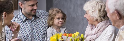 Fotografie, Obraz  Little girl visiting grandparent's