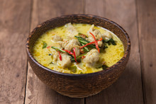 Thai Spicy Green Curry Fish Balls