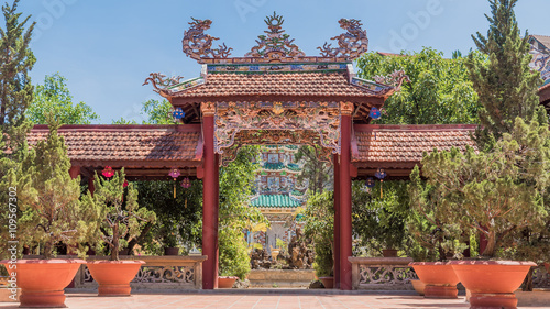 Foto op Canvas Monument Portal to Buddhist temple (pagoda) yard