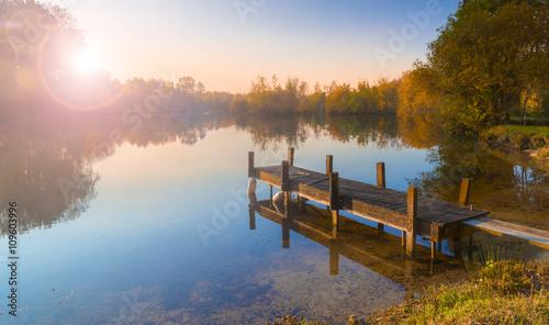 Poster Lac / Etang Single jetty on a calm lake