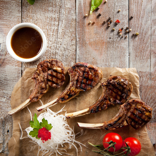 Fotografia  Grilled Rack of Lamb