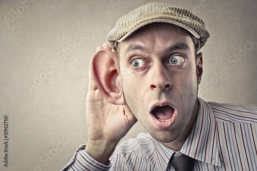 Cuadros en Lienzo Listen carefully