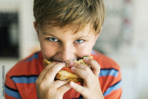 Valokuva  Child Children Hungry Hunger Kid Sandwich Concept