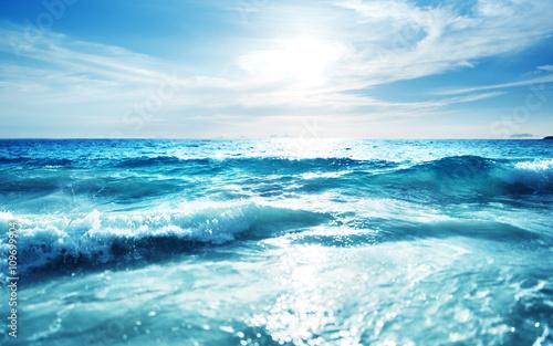 Stickers pour porte Eau saychelles beach in sunset time, tilt shift effect