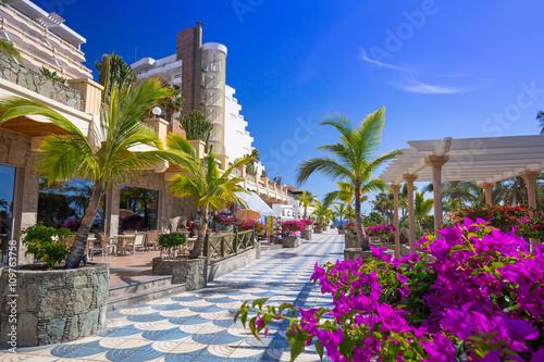 Fotobehang Canarische Eilanden Promenade to the beach in Taurito on Gran Canaria island, Spain