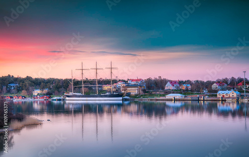 Photo  Åland Islands, Baltic Sea Pommern ship at beautiful sunset