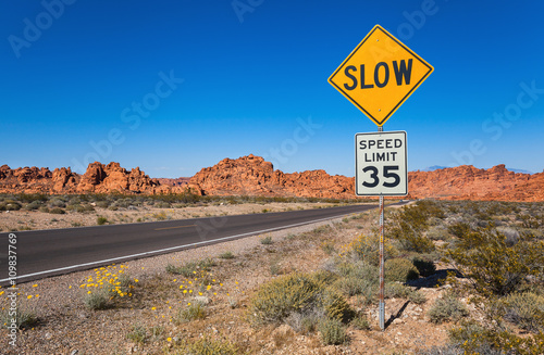 Fotografía  Traffic Sign Slow, Valley of Fire State Park, Southern Nevada, USA
