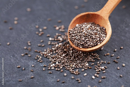 Valokuva  Chia seeds in wooden spoon
