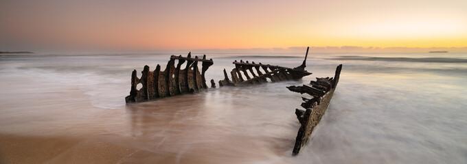 Australijski krajolik: Dicky Wreck u zoru