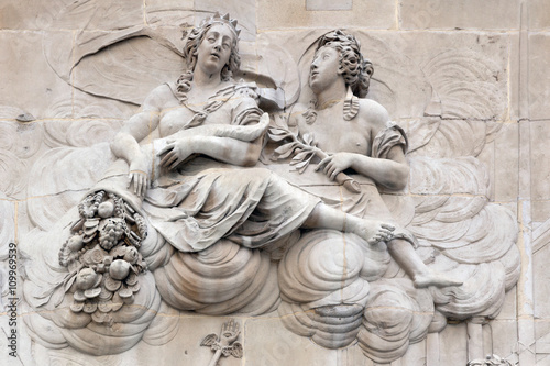 Fényképezés  Allegorical sculpture on the pedestal of the Monument London
