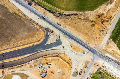 nowy-widok-z-lotu-ptaka-na-budowie-drogi