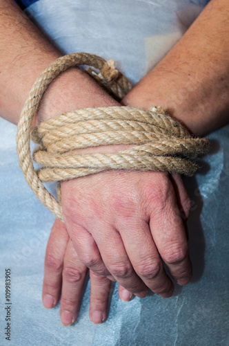 Mani legate con corda di canapa Tapéta, Fotótapéta