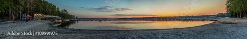 Panorama na jezioro Paprocańskie - zachód słońca - 109991975