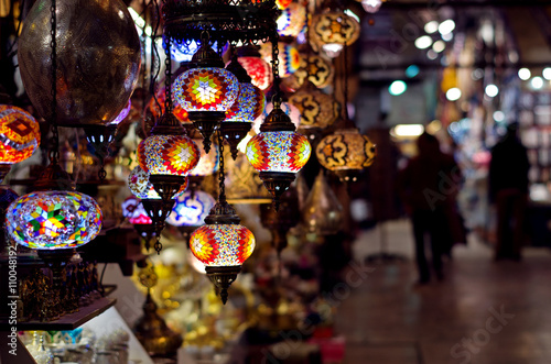 Photo Traditional lamps at  the Grand Bazaar in Istanbul