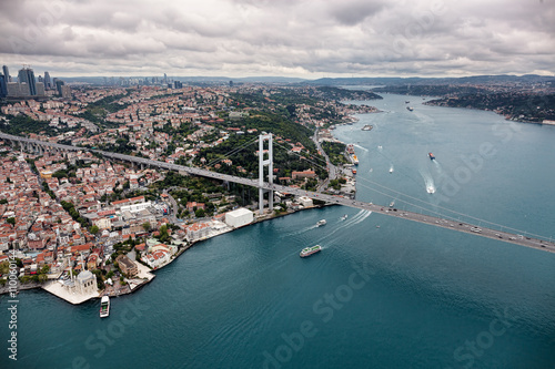 Fotografia  Aerial view of Istanbul. Bosphorus Bridge