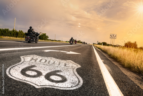 Spoed Fotobehang Route 66 Historic Route 66 Road Sign