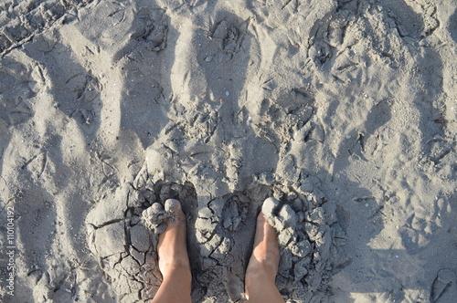 Fotografie, Obraz  Stopy w Piasku na plaży