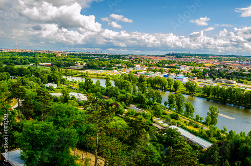 Photo aerial view of prague taken from the prague zoo