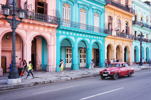 HAVANA, CUBA - APRIL 18: Classic Vintage Car And Colorful Colonial Buildings In The Main Street Of Old Havana, On April 18, 2016 In Havana