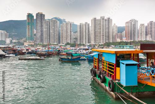 Carta da parati Floating village in the Aberdeen bay in Hong Kong