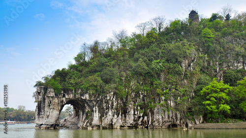 Tuinposter Guilin Elephant Trunk Hill - Guilin, China