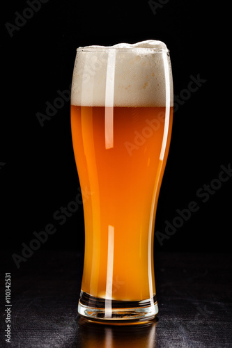 Beer Glass on black Tapéta, Fotótapéta