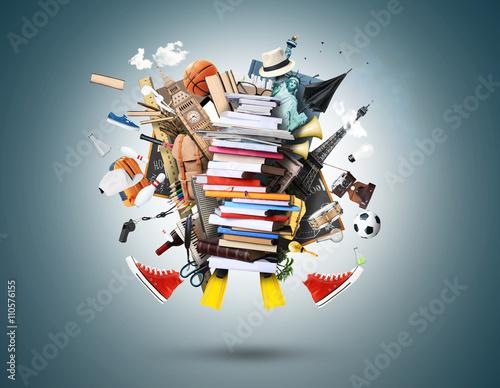 Fotografía  Educación, una pila de libros y revistas con otras cosas