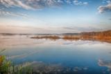 Fototapeta Krajobraz - Piękny pejzaż jeziora