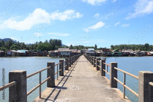 Cadres-photo bureau La Mer du Nord old wooden and concrete bridge to dock pier tranquil sea destination,Trang Thailand