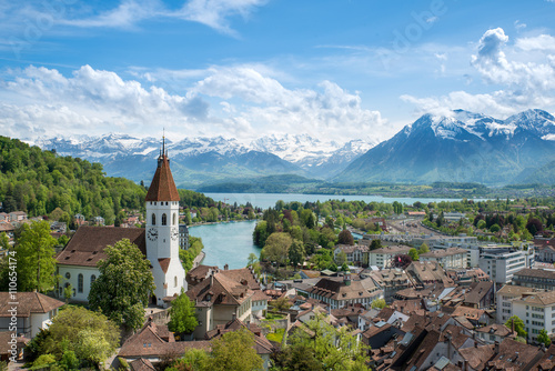 Foto  The historic city of Thun, in the canton of Bern in Switzerland