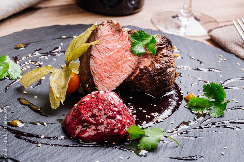 Papiers peints Steakhouse Juicy Beef rump steak from marble beef medium rare with spices