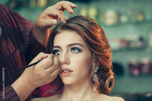 Photo  Young woman with beautiful makeup