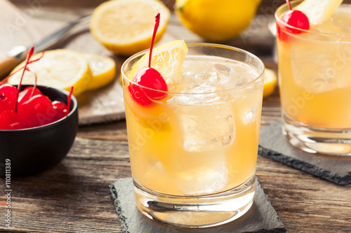 Fotografia Homemade Whiskey Sour Cocktail Drink