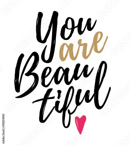 you-are-beautiful-napis-z-rozowym-sercem-na-koncu