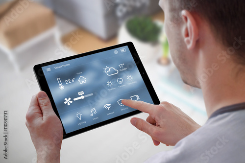Fotografia  Smart home control on tablet