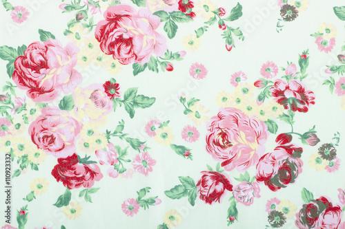 styl-vintage-z-tkaniny-gobelin-kwiaty-wzor-tla