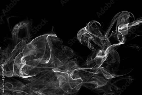 In de dag Rook White smoke, isolated on black background.