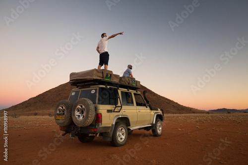 Fotografia  Repérage pour monter le camp
