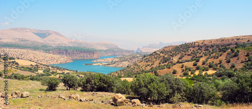 Foto auf Gartenposter Hugel Lake Ataturk in the mountains of Turkey.