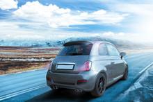 Auto Fährt Im Winterwetter