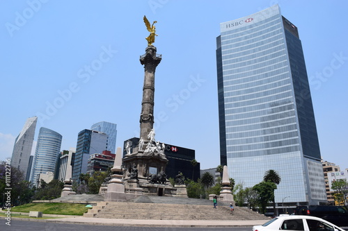 Tuinposter View of reforma street, Mexico city