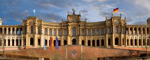 Poster Artistique Landtag Maximilianeum Bayern sehenswürdigkeiten Münchner Parlament des Freistaats hochauflösend Panorama HD