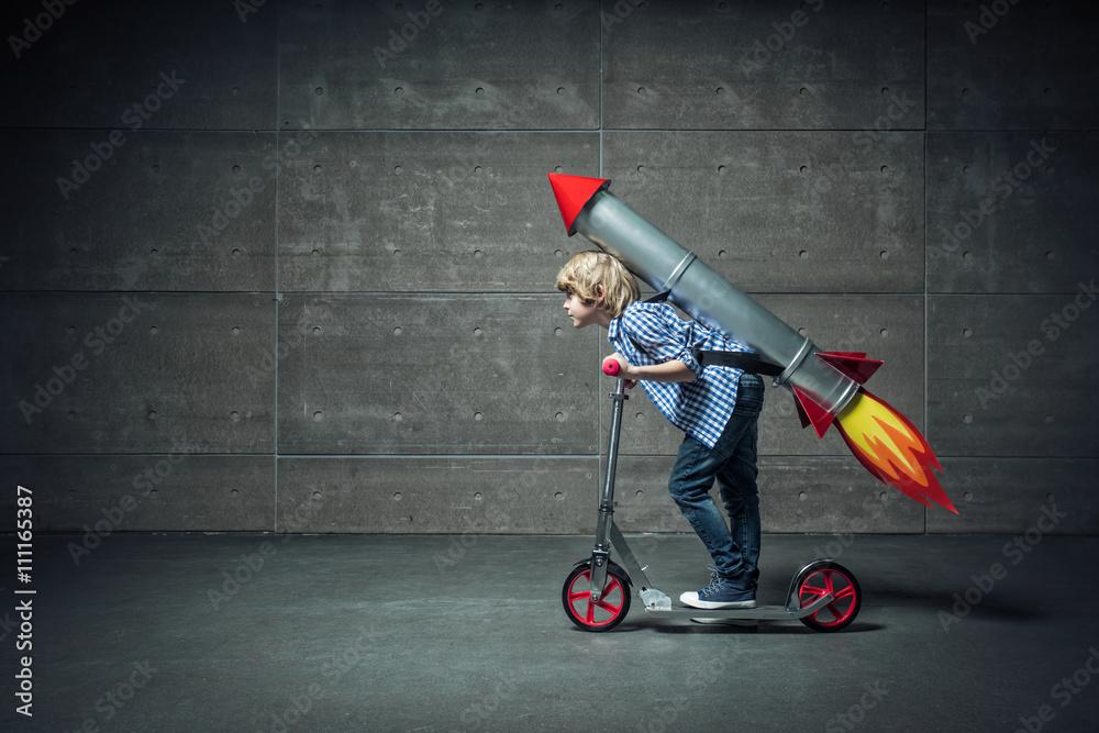 Fototapety, obrazy: Boy on scooter