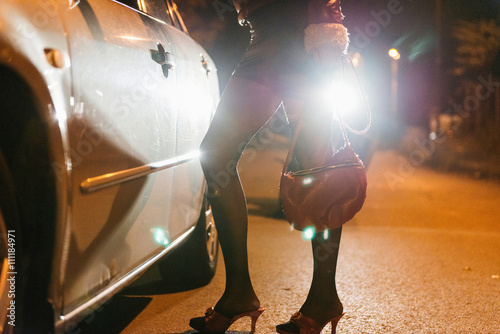 Fotomural Roadside prostitute at night