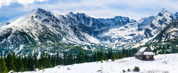 Obraz na SzkleHala Gasienicowa in Tatra Mountains, spring season